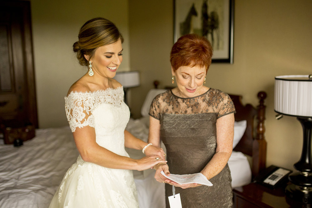 Seriously_Sabrina_Photography_Lexington_Kentucky_Wedding_Marriott_Griffin_Gate_Boersma40.jpg