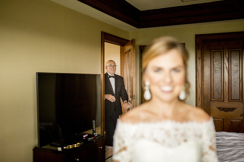 Seriously_Sabrina_Photography_Lexington_Kentucky_Wedding_Marriott_Griffin_Gate_Boersma43.jpg