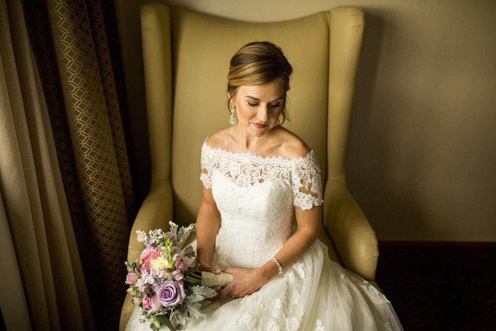 Seriously_Sabrina_Photography_Lexington_Kentucky_Wedding_Marriott_Griffin_Gate_Boersma46.jpg
