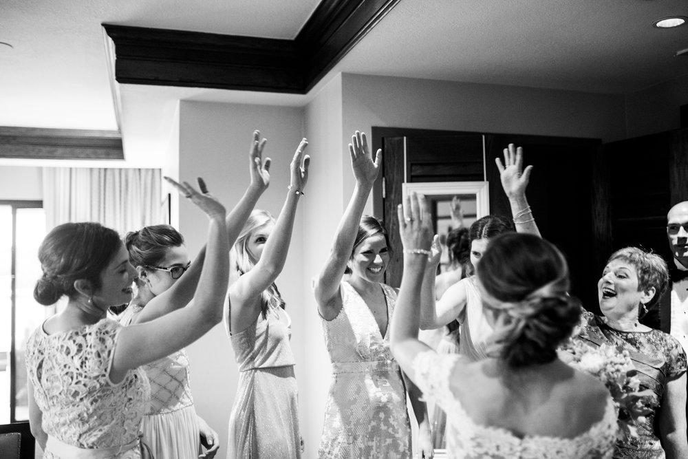 Seriously_Sabrina_Photography_Lexington_Kentucky_Wedding_Marriott_Griffin_Gate_Boersma50.jpg
