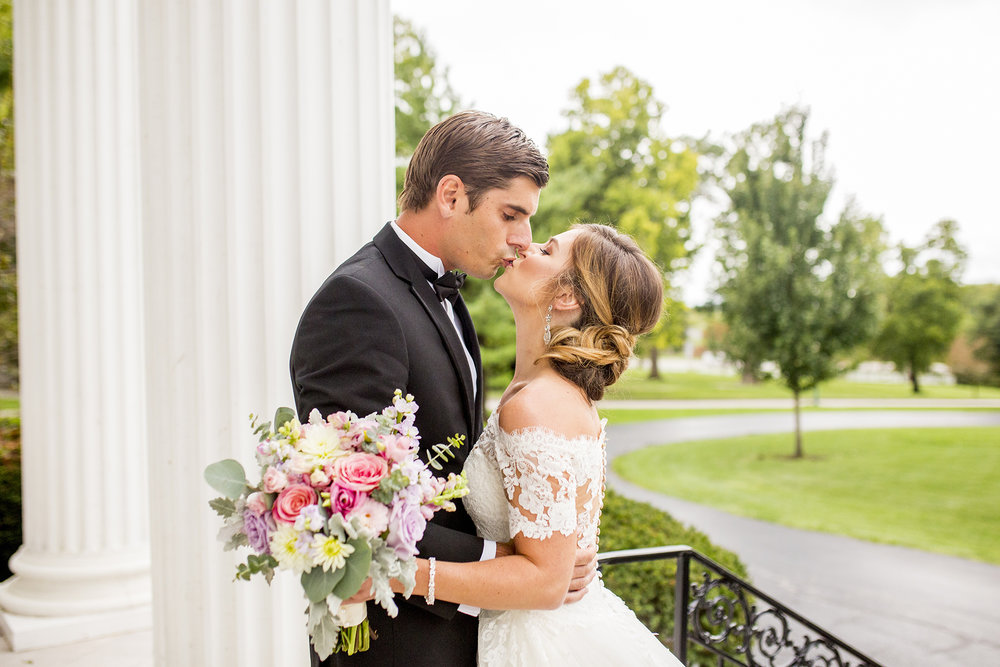 Seriously_Sabrina_Photography_Lexington_Kentucky_Wedding_Marriott_Griffin_Gate_Boersma54.jpg