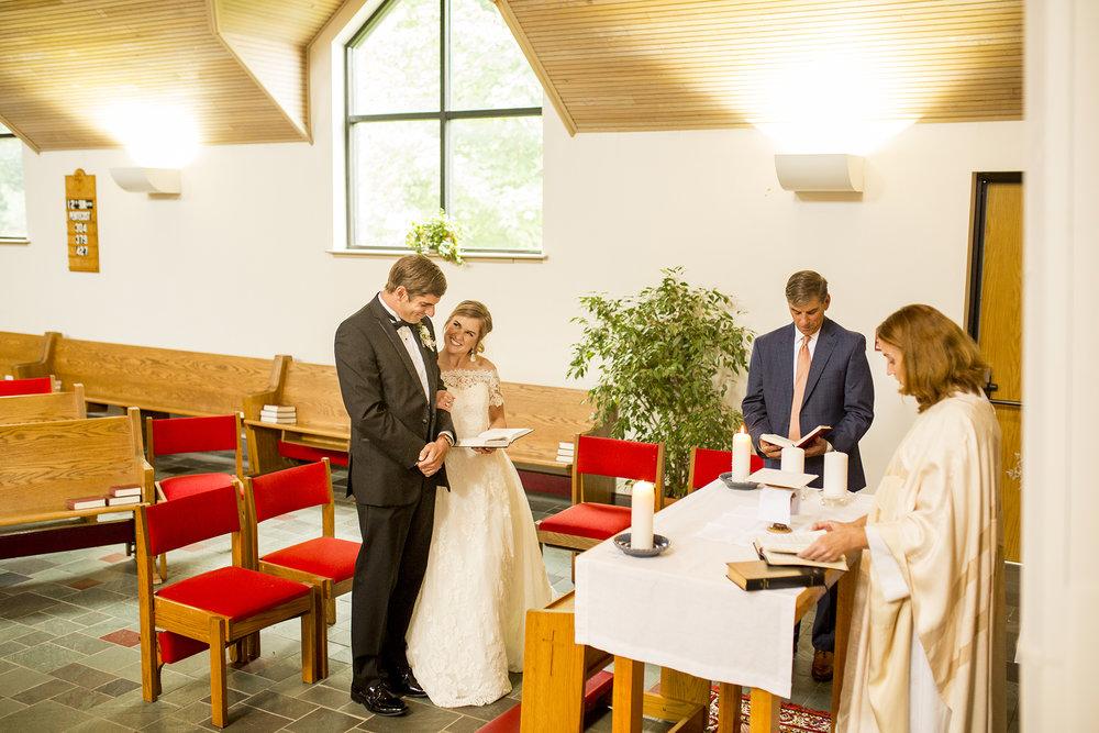 Seriously_Sabrina_Photography_Lexington_Kentucky_Wedding_Marriott_Griffin_Gate_Boersma77.jpg