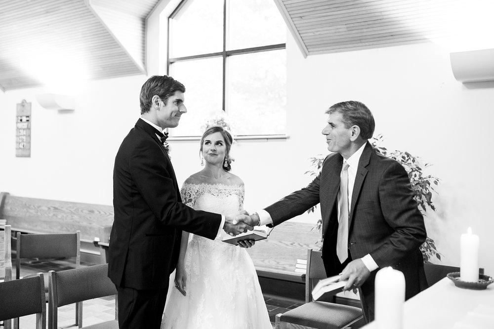 Seriously_Sabrina_Photography_Lexington_Kentucky_Wedding_Marriott_Griffin_Gate_Boersma83.jpg