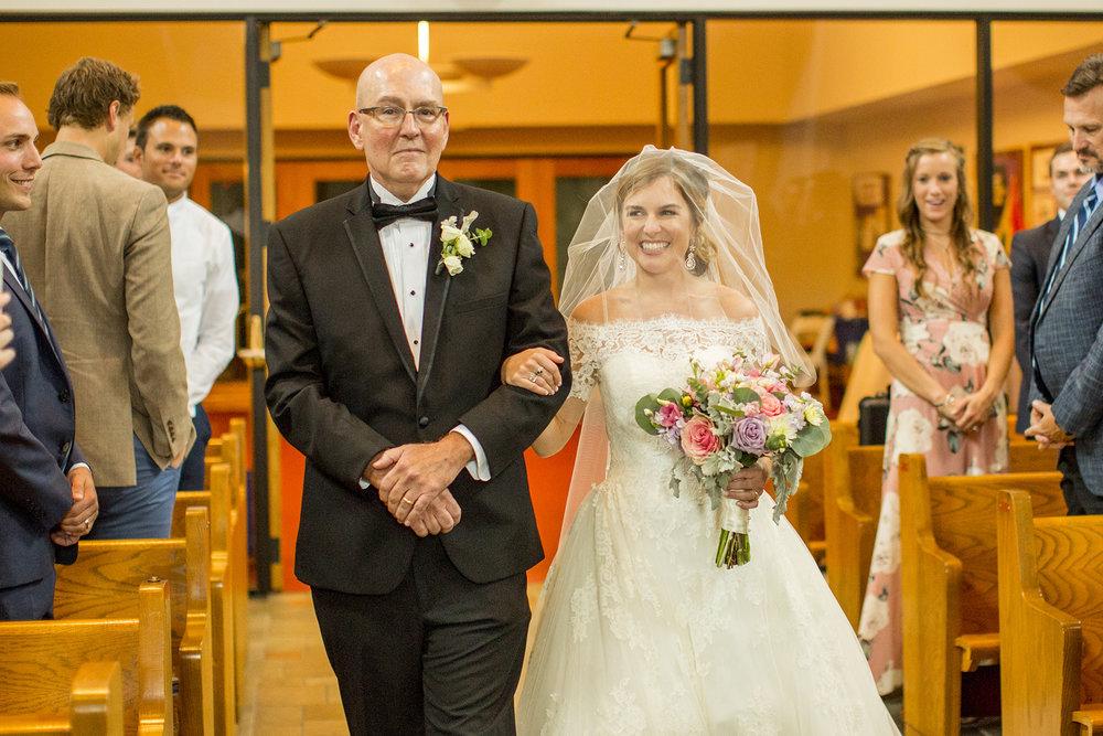 Seriously_Sabrina_Photography_Lexington_Kentucky_Wedding_Marriott_Griffin_Gate_Boersma88.jpg