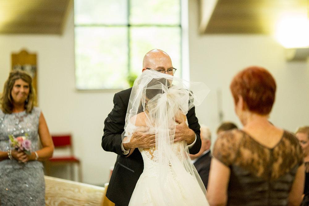 Seriously_Sabrina_Photography_Lexington_Kentucky_Wedding_Marriott_Griffin_Gate_Boersma91.jpg
