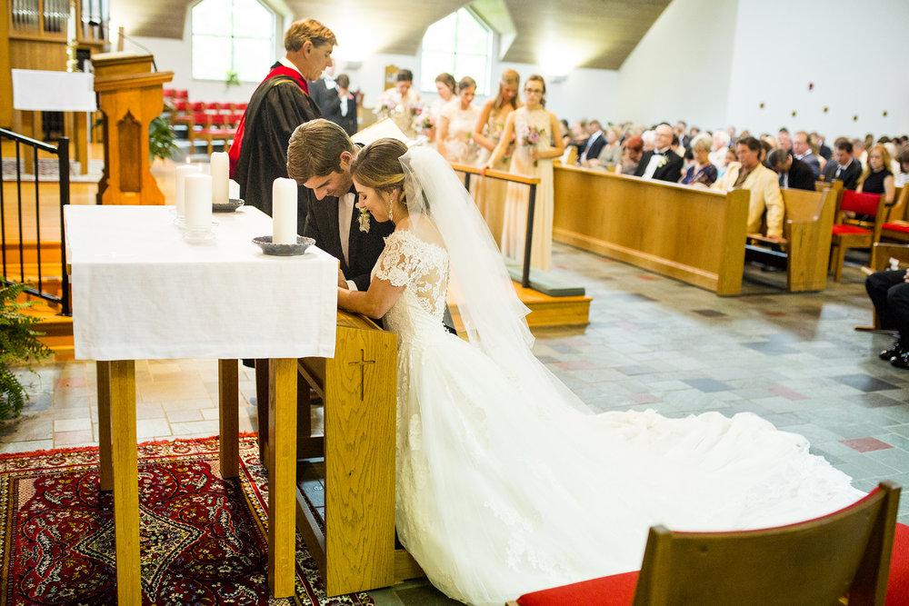 Seriously_Sabrina_Photography_Lexington_Kentucky_Wedding_Marriott_Griffin_Gate_Boersma97.jpg