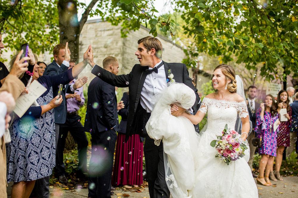 Seriously_Sabrina_Photography_Lexington_Kentucky_Wedding_Marriott_Griffin_Gate_Boersma110.jpg