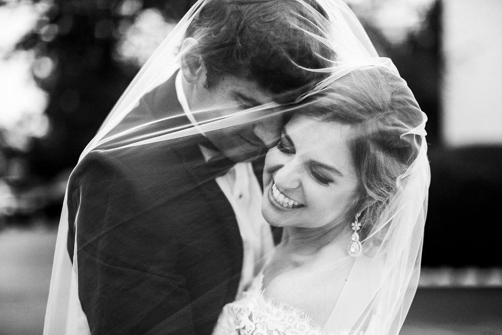 Seriously_Sabrina_Photography_Lexington_Kentucky_Wedding_Marriott_Griffin_Gate_Boersma122.jpg