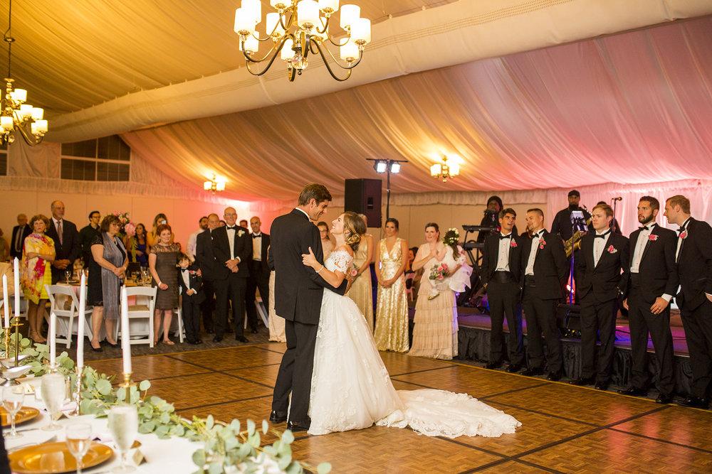 Seriously_Sabrina_Photography_Lexington_Kentucky_Wedding_Marriott_Griffin_Gate_Boersma138.jpg