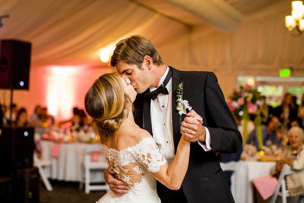 Seriously_Sabrina_Photography_Lexington_Kentucky_Wedding_Marriott_Griffin_Gate_Boersma141.jpg
