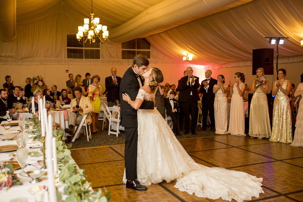 Seriously_Sabrina_Photography_Lexington_Kentucky_Wedding_Marriott_Griffin_Gate_Boersma142.jpg