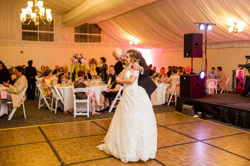 Seriously_Sabrina_Photography_Lexington_Kentucky_Wedding_Marriott_Griffin_Gate_Boersma153.jpg