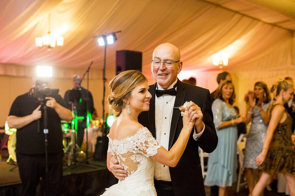 Seriously_Sabrina_Photography_Lexington_Kentucky_Wedding_Marriott_Griffin_Gate_Boersma154.jpg