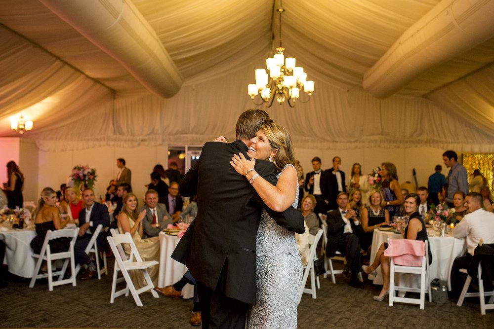 Seriously_Sabrina_Photography_Lexington_Kentucky_Wedding_Marriott_Griffin_Gate_Boersma155.jpg