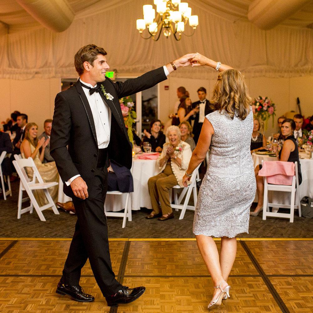 Seriously_Sabrina_Photography_Lexington_Kentucky_Wedding_Marriott_Griffin_Gate_Boersma156.jpg