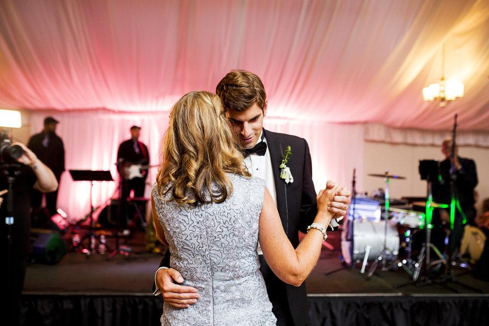Seriously_Sabrina_Photography_Lexington_Kentucky_Wedding_Marriott_Griffin_Gate_Boersma157.jpg