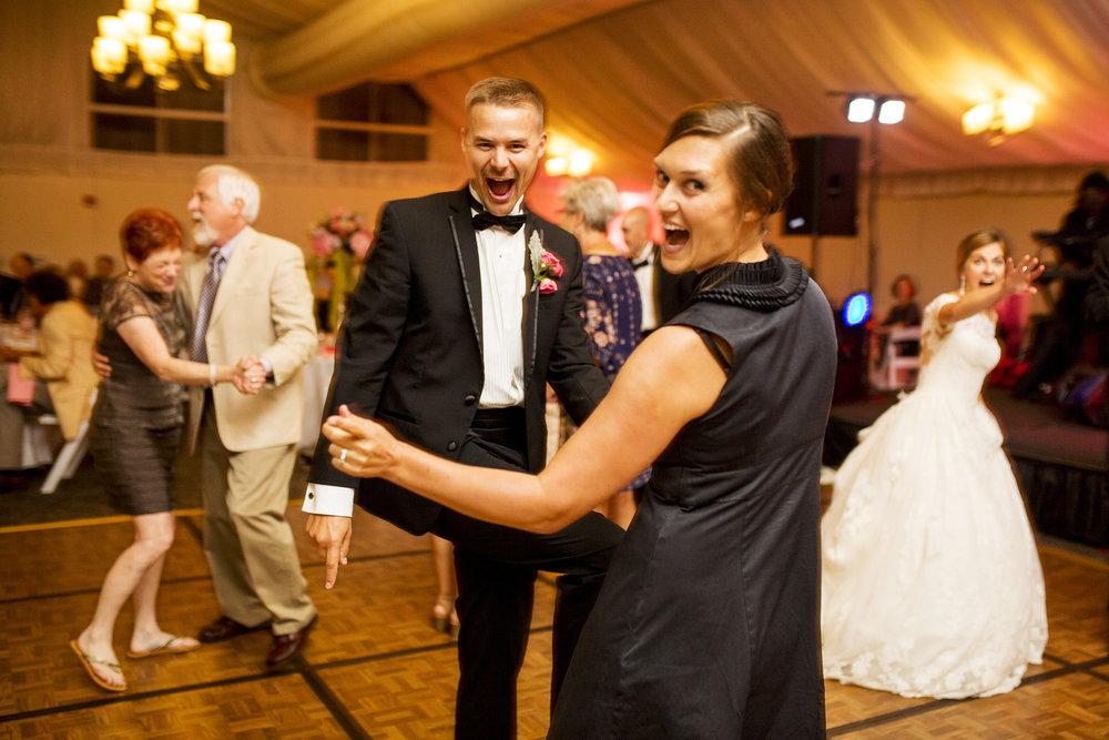 Seriously_Sabrina_Photography_Lexington_Kentucky_Wedding_Marriott_Griffin_Gate_Boersma159.jpg