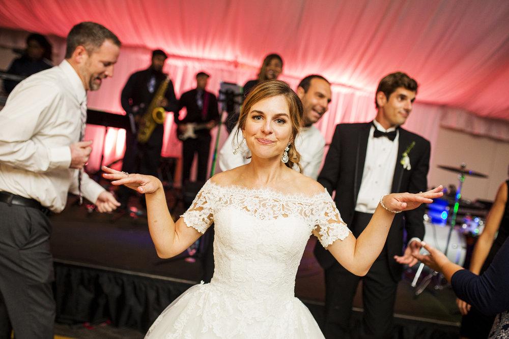 Seriously_Sabrina_Photography_Lexington_Kentucky_Wedding_Marriott_Griffin_Gate_Boersma169.jpg