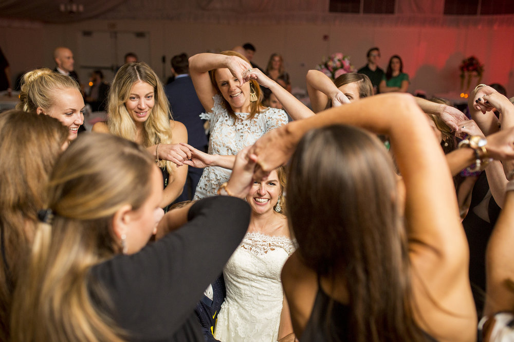 Seriously_Sabrina_Photography_Lexington_Kentucky_Wedding_Marriott_Griffin_Gate_Boersma183.jpg