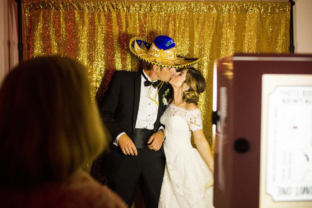 Seriously_Sabrina_Photography_Lexington_Kentucky_Wedding_Marriott_Griffin_Gate_Boersma186.jpg