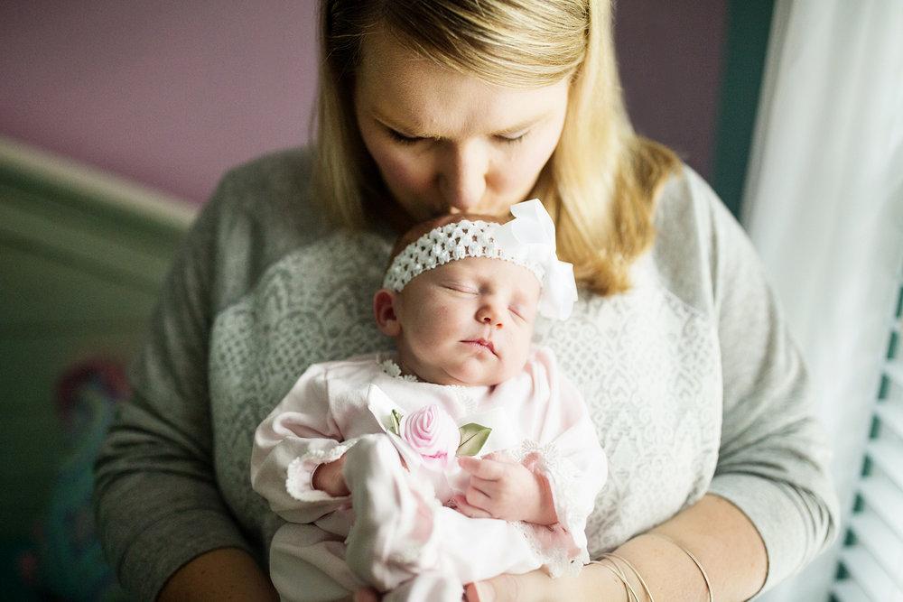 Seriously_Sabrina_Photography_Lexington_Kentucky_Newborn_Photographer_Crane5.jpg