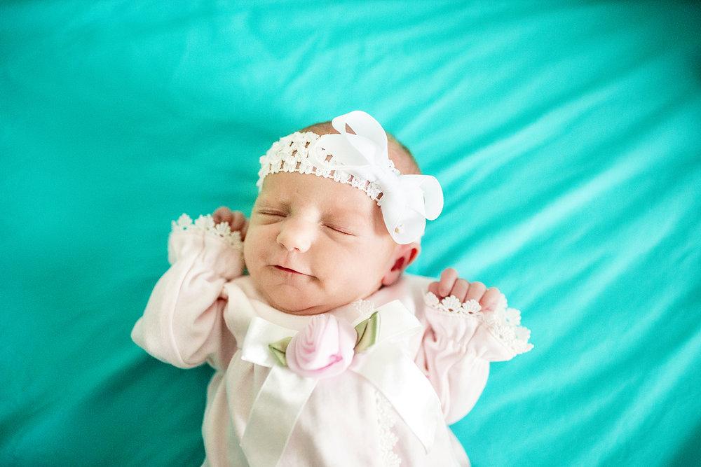 Seriously_Sabrina_Photography_Lexington_Kentucky_Newborn_Photographer_Crane13.jpg