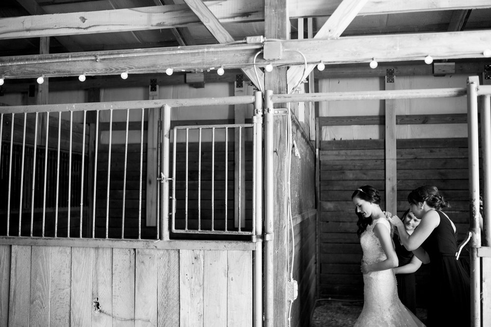Seriously_Sabrina_Photography_Bowling_Green_Kentucky_Highland_Stables_Wedding_Wolff13.jpg