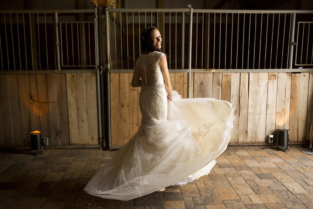 Seriously_Sabrina_Photography_Bowling_Green_Kentucky_Highland_Stables_Wedding_Wolff17.jpg