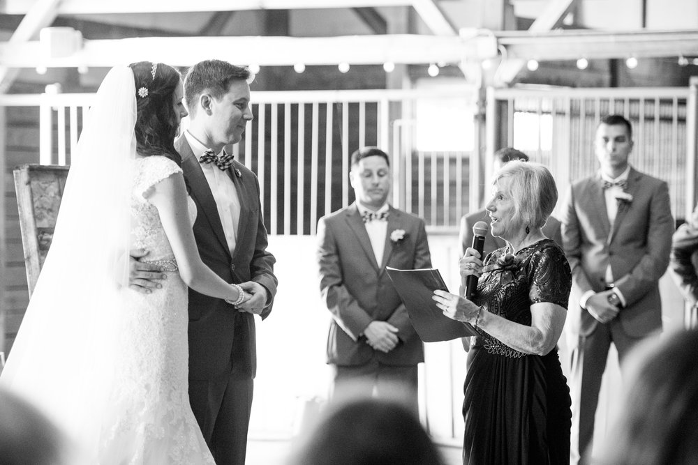 Seriously_Sabrina_Photography_Bowling_Green_Kentucky_Highland_Stables_Wedding_Wolff109.jpg