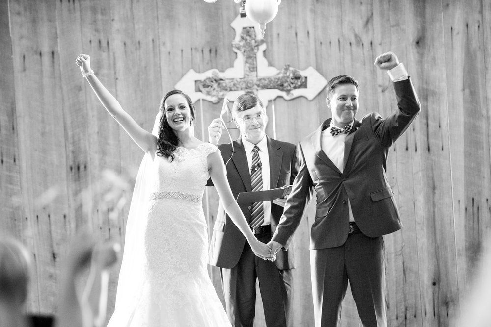 Seriously_Sabrina_Photography_Bowling_Green_Kentucky_Highland_Stables_Wedding_Wolff116.jpg