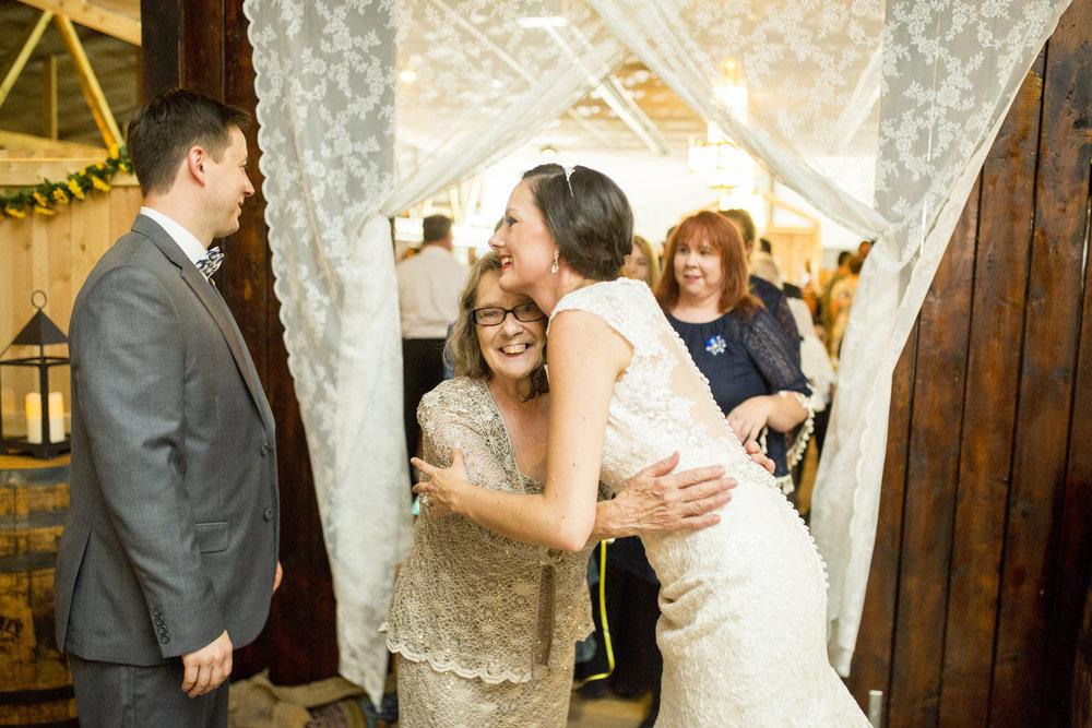 Seriously_Sabrina_Photography_Bowling_Green_Kentucky_Highland_Stables_Wedding_Wolff119.jpg