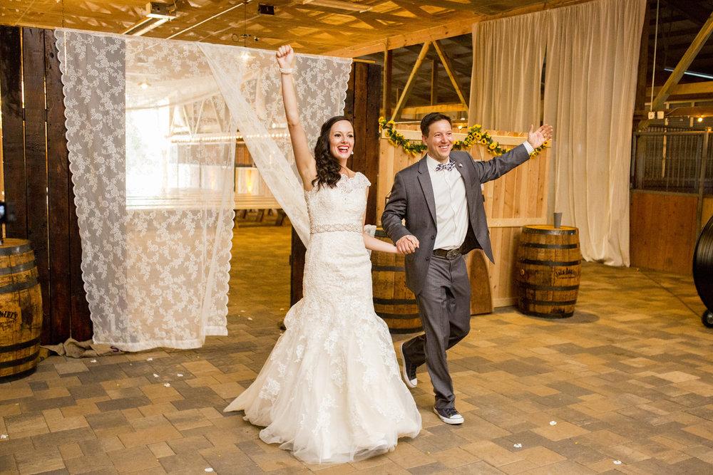 Seriously_Sabrina_Photography_Bowling_Green_Kentucky_Highland_Stables_Wedding_Wolff127.jpg