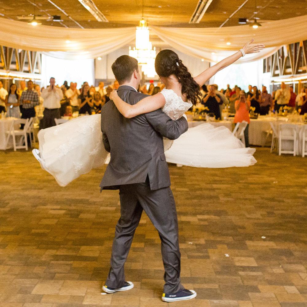 Seriously_Sabrina_Photography_Bowling_Green_Kentucky_Highland_Stables_Wedding_Wolff130.jpg