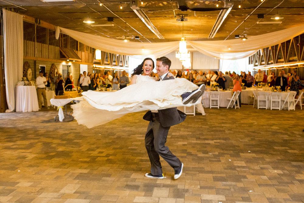 Seriously_Sabrina_Photography_Bowling_Green_Kentucky_Highland_Stables_Wedding_Wolff128.jpg
