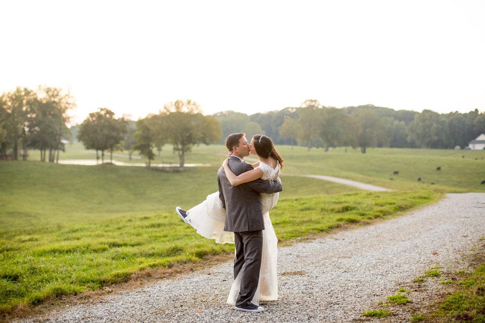 Seriously_Sabrina_Photography_Bowling_Green_Kentucky_Highland_Stables_Wedding_Wolff142.jpg