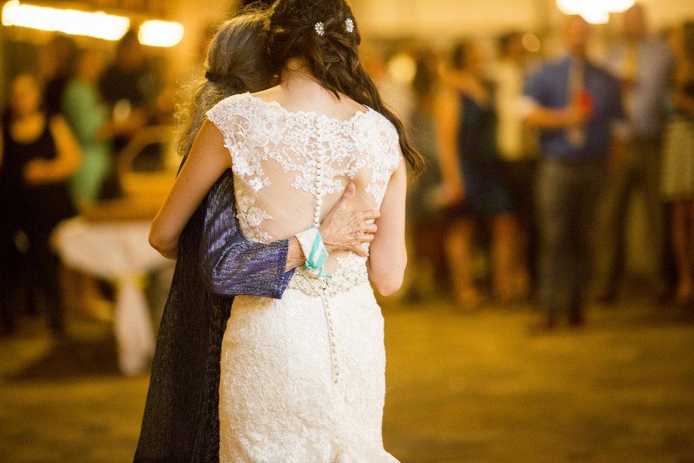 Seriously_Sabrina_Photography_Bowling_Green_Kentucky_Highland_Stables_Wedding_Wolff172.jpg