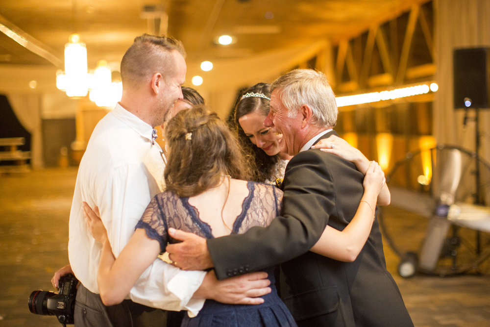 Seriously_Sabrina_Photography_Bowling_Green_Kentucky_Highland_Stables_Wedding_Wolff178.jpg