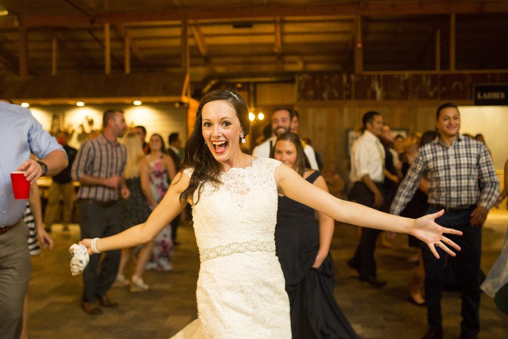 Seriously_Sabrina_Photography_Bowling_Green_Kentucky_Highland_Stables_Wedding_Wolff195.jpg