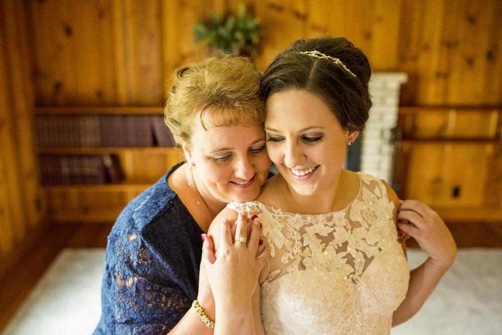 Seriously_Sabrina_Photography_Lexington_Kentucky_Wedding_Holmes10.jpg