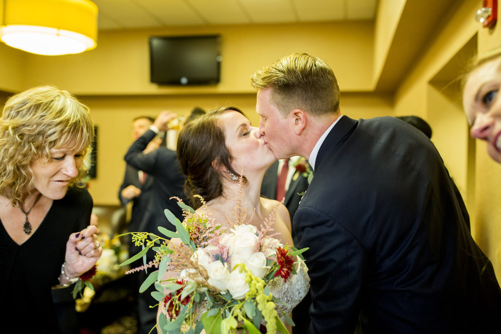 Seriously_Sabrina_Photography_Lexington_Kentucky_Fasig_Tipton_Wedding_Anderson113.jpg