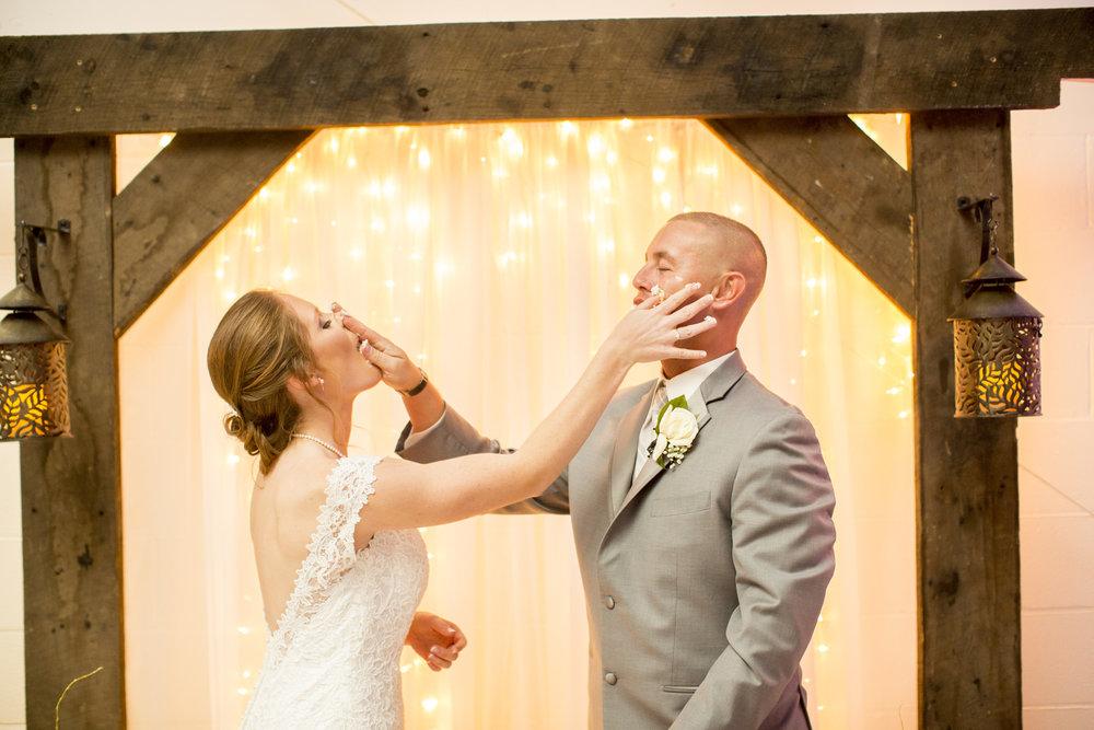 Seriously_Sabrina_Photography_Louisville_Kentucky_Wedding_Smallwood111.jpg