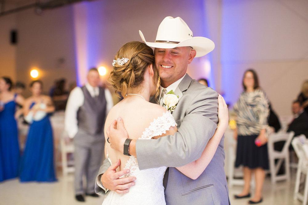 Seriously_Sabrina_Photography_Louisville_Kentucky_Wedding_Smallwood116.jpg