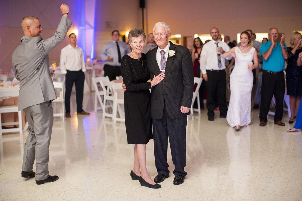 Seriously_Sabrina_Photography_Louisville_Kentucky_Wedding_Smallwood122.jpg