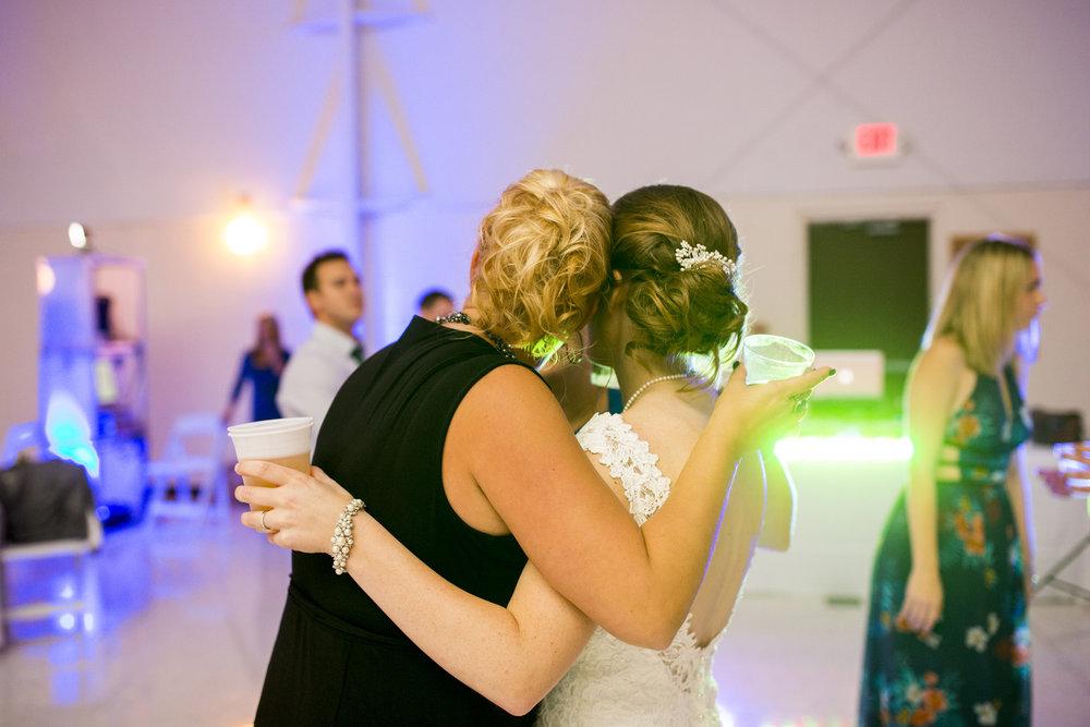 Seriously_Sabrina_Photography_Louisville_Kentucky_Wedding_Smallwood138.jpg