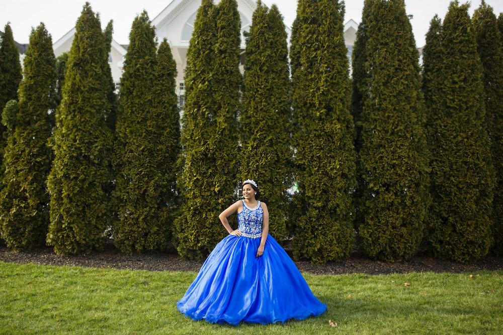Seriously_Sabrina_Photography_Lexington_Kentucky_Quinceañera_Signature_Club_Mari_Castle7.jpg