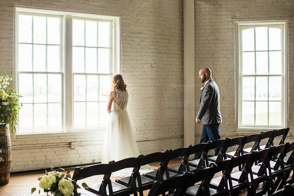 Seriously_Sabrina_Photography_Lexington_Kentucky_Red_Barn_Red_Mile_Wedding_Detoma32.jpg