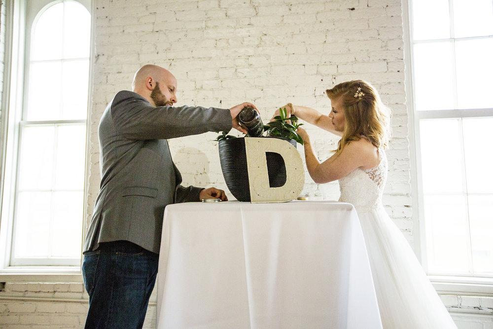 Seriously_Sabrina_Photography_Lexington_Kentucky_Red_Barn_Red_Mile_Wedding_Detoma57.jpg