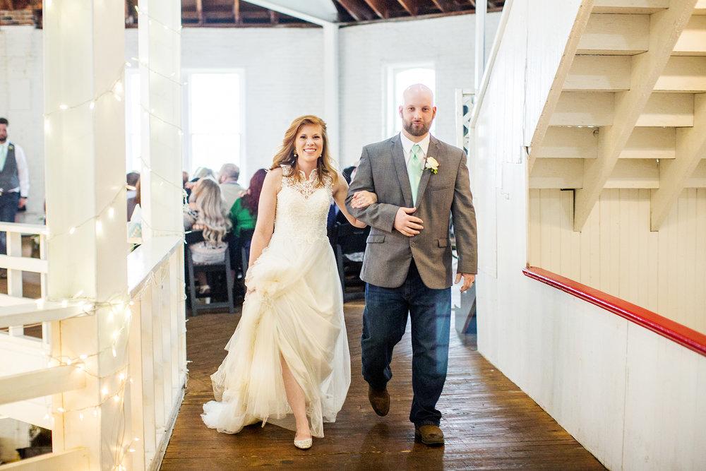 Seriously_Sabrina_Photography_Lexington_Kentucky_Red_Barn_Red_Mile_Wedding_Detoma63.jpg