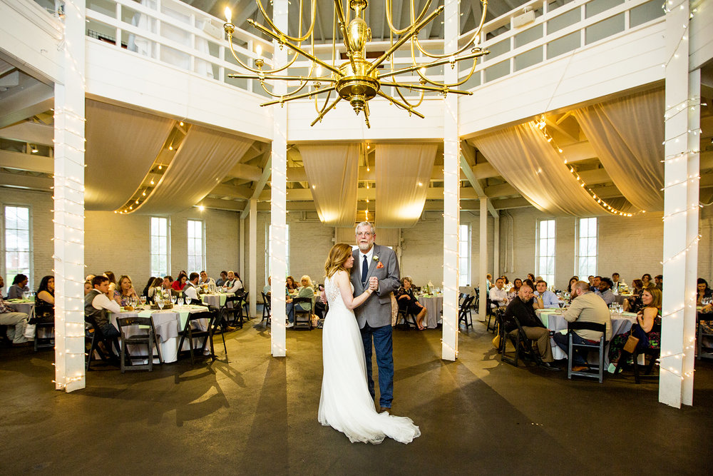 Seriously_Sabrina_Photography_Lexington_Kentucky_Red_Barn_Red_Mile_Wedding_Detoma76.jpg
