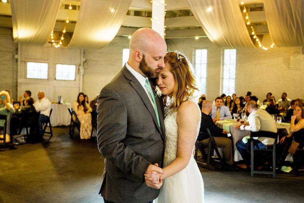 Seriously_Sabrina_Photography_Lexington_Kentucky_Red_Barn_Red_Mile_Wedding_Detoma83.jpg